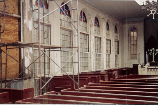 Vilna-Shul-Historic-Wood-Window-Restoration-Interior-View-After-Restoration-and-Installation-RESIZED